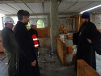 12  сентября на строительной площадке Духовно-просветительского центра в г. Костомукше прошло производственное совещание
