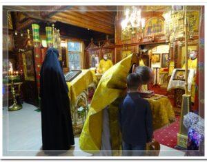 В Неделю 16-ю по Пятидесятнице епископ Борис совершил Божественную литургию в Покровском кафедральном храме г. Костомукши