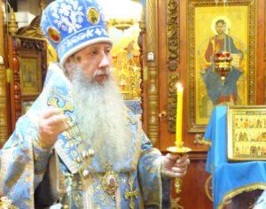 В канун праздника Покрова Пресвятой Богородицы епископ Борис совершил всенощное бдение в Покровском храме г. Костомукши